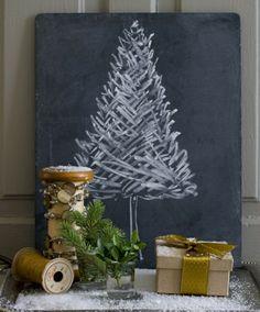 arbre de Noël sapin déssiné sur un tableau noir
