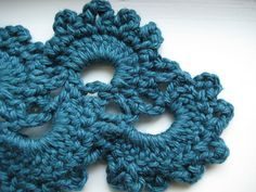 This crochet stitch would make a pretty scarf