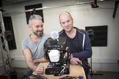 Two researchers at NTNU have made a robot that learns like a young child. At least, that's the idea. The machine starts with nothing—it has to learn everything from scratch.