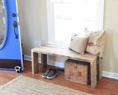 Simple Rustic Waterfall Edge Bench. Add DIY shabby chic furniture to your home using this easy project tutorial.
