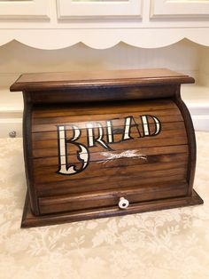 Your place to buy and sell all things handmade Wooden Bread Box, Bread Boxes, Knock On Wood, Knock Knock, Glass Knobs, Quartz Countertops, Milk Glass, Toy Chest, Solid Wood