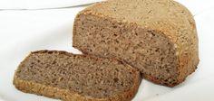 Chleba z žitného kvásku. Určitě všichni znáte ty pověsti o tom, že při výrobě čerstvého chleba se používá starý chleba vrácený do pekárny - to rozhodně nezní lákavě. Říká se na každém šprochu, pravdy trochu. Já jsem hodně ujetý na kvalitu potravin a proto si upeču sem tam chleba sám. Tady máte recept.