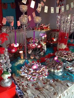 Candelabro de Cristales, Mantel de Pétalo, Cascada de Cristales, Chicago Cupcake, Candy Bar