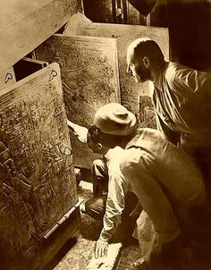 "indigodreams:  sashastergiou:  ""Can you see anything?"" ""Yes, wonderful things!"" Howard Carter 1st person to look into King Tut's tomb."