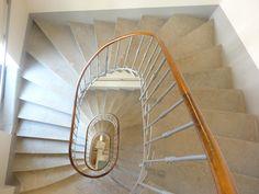 Afficher l'image d'origine Stairs, Home Decor, Stairway, Decoration Home, Room Decor, Staircases, Home Interior Design, Ladders, Home Decoration