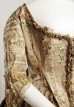Robe à la Française Date: Culture: French Medium: silk, metal thread 18th Century Clothing, 18th Century Fashion, Vintage Outfits, Vintage Fashion, Rococo Fashion, Historical Clothing, Historical Costume, Olive Green Dresses, Beautiful Costumes