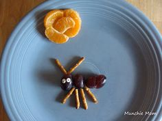 ant snack Animal Eating, Healthy Snacks, Healthy Recipes, Kid Desserts, Good Food, Fun Food, Bbq Party, Delicious Fruit, School Snacks