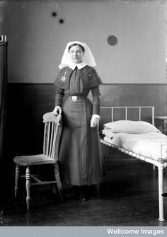 Search the Wellcome Collection catalogue Vintage Nurse, Vintage Medical, Nurse Pics, Radiology Humor, Murdoch Mysteries, Oldschool, Medical Information, Nurse Humor, World War I
