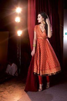 Ethnic Wear - Online Indian Ethnic Wear for Womens & Girls Sari Dress, Anarkali Dress, Lehenga, Sarees, Anarkali Suits, Churidar, Salwar Kameez, Patiala, Kurti Designs Party Wear