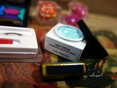 miniature - Face cream anyone?   Flickr - Photo Sharing!