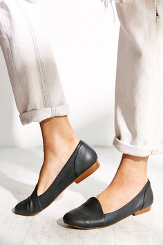 Kelsi Dagger Brooklyn Dancer Leather Loafer - Urban Outfitters