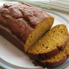Everyone loves this pumpkin bread - gotta make it more often! Click for recipe