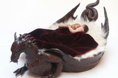 Sleep in dragon's womb Gothic Furniture, Funky Furniture, Unique Furniture, House Furniture, Dragons, Gothic Home Decor, Gothic House, Dragon Art, Dragon Garden