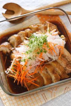 """レンジで""""チン""""で完成♡疲れた夜に大活躍の「レンチン節約おかず」 - LOCARI(ロカリ) Asian Recipes, Healthy Recipes, Ethnic Recipes, Healthy Food, Japanese Menu, Eat More Chicken, Meat Chickens, Japchae, Cooker"""