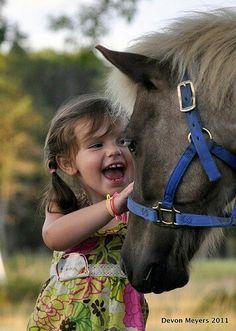 un sourire un petit bonheur - Page 2 girl with pony by Devon Meyers 2011 Precious Children, Beautiful Children, Beautiful Horses, Animals For Kids, Animals And Pets, Cute Animals, Cute Kids, Cute Babies, Tier Fotos