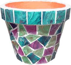 Mosaic flower pot how to. Step by step picture tutorial Mosaic flower pot how to. Step by step picture tutorial Mosaic Planters, Mosaic Garden Art, Mosaic Vase, Mosaic Flower Pots, Mosaic Tiles, Mosaic Art Projects, Mosaic Crafts, Mosaics For Kids, Free Mosaic Patterns