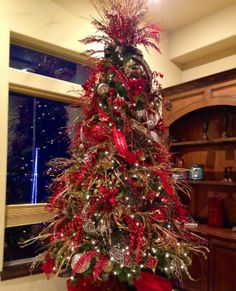 Elegant Christmas Tree Decorating Ideas With Ribbon   Photo#23