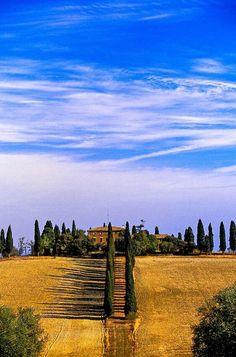 @MariaBoedeker: Cerca de Pienza, province of Siena, Tuscany, Italy http://t.co/TA4rzJTTKX
