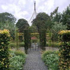 Lite inspiration från vårt grannland Danmark / The beautiful garden of @tidensstauderdesign  #mariannefolling #trädgård #tuin #trädgårdsdesign #trädgårdsrum #trädgårdsinspo #tradgardsinspo #trädgårdsinspiration #lammöron #lambsear #gardeninspiration #garden #gardendesign #puutarha #giardino #jardin #garten #have #gartendesign #haveinspiration #havedesign #haverum #hagerom #hage #hagedesign #instagarden #hageinspirasjon #hageinspo #haveinspo #gardeninspo