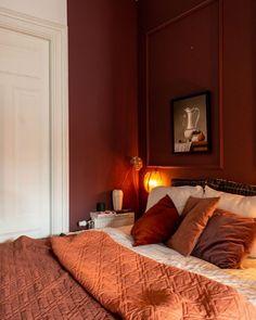 Red Bedroom Walls, Bedroom Orange, Bedroom Wall Colors, Bedroom Color Schemes, Red Walls, Master Bedroom, Design Bedroom, Bedroom Ideas, Red Paint Colors
