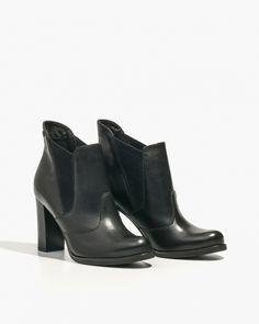 https://badura.pl/produkt/elastyczne-czarne-botki-na-slupku,7453-69-1078-M