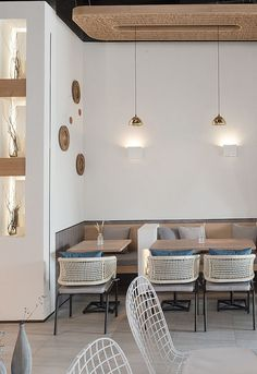 Cozy office cafe in small space 18 - Home Decor Coffee Shop Interior Design, Coffee Shop Design, Restaurant Interior Design, Cafeteria Design, Tanzstudio Design, Cafe Design, Design Case, House Design, Deco Cafe