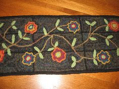 Country Freckles: Update on rugs and rug hooking and new items that just came in this last week..