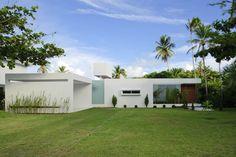 Casa Carqueija / Bento e Azevedo Arquitetos Associados (simples e muito bela)