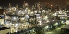 京浜工業地帯 Keihin(about Yokohama from Tokyo)industrial area's factory.[VVS・Very Very Slightly in cluded] / S.I / montage