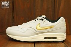 Nike Air Max 1 Gold Trophy Detailed Pictures