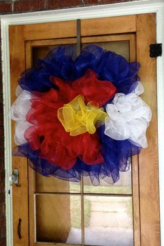 Colorado Flag Mesh Wreath by thesouthernstoop on Etsy Crafts To Make, Arts And Crafts, Diy Crafts, American Flag Wreath, Etsy Christmas, Patriotic Decorations, Wreath Crafts, Flag Design, Mesh Wreaths