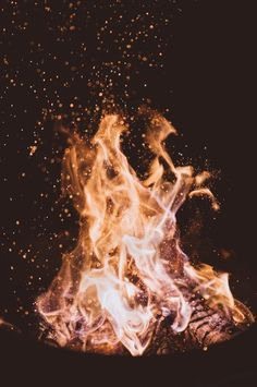 The fire within you burns bright. Don't let anyone extinguish your light. Stand firm in the line of fire. Keep your fire. Keep your fire burning bright. Go Hiking, Hiking Tips, Close Up Photos, Hd Photos, Stock Photos, Free Photos, Relaxation Pour Dormir, Camping For Beginners, Beginner Camping