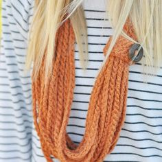 The autumn season can be chilly, so stay chic and make this Carefree Crochet Chain Necklace. It is big enough to protect against the cold, but fashionable enough to serve as a stunning DIY statement necklace.