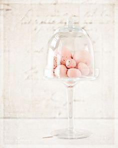 So simple and elegant these pastel pink eggs in this dessert stand.