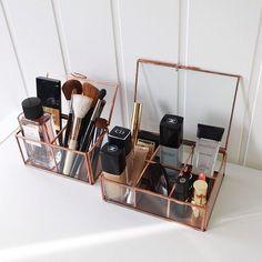 Trendy makeup organization diy bathroom make up beauty products Ideas Diy Makeup Organizer, Make Up Organizer, Make Up Storage, Vanity Organization, Diy Storage, Organization Hacks, Bedroom Storage, Fridge Organization, Diy Bedroom