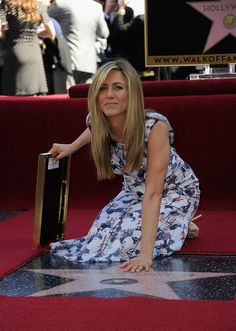 Jennifer Aniston Photos - Actress Jennifer Aniston who was honored with a star the the Hollywood Walk Of Fame on February 2012 in Hollywood, California. - Jennifer Aniston Honored On The Hollywood Walk Of Fame Jennifer Aniston Friends, Jennifer Aniston Style, Vogue Fashion, Fashion Show, Jeniffer Aniston, Celebrity Stars, Mtv Movie Awards, Rachel Green, Hollywood Walk Of Fame