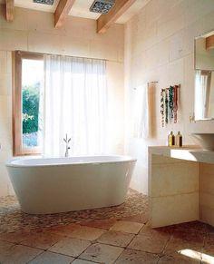 Ideas y estilos para decorar el baño Philippe Starck, Clawfoot Bathtub, Elle Decor, Amazing Bathrooms, Ideas Para, Patio, Design, House, Decorating Ideas