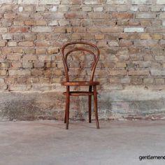 Chaise Bentwood de Jacob & Josef Kohn, circa 1900 Chaise Vintage, Wishbone Chair, Design, Home Decor, Wood Construction, Decoration Home, Room Decor, Home Interior Design