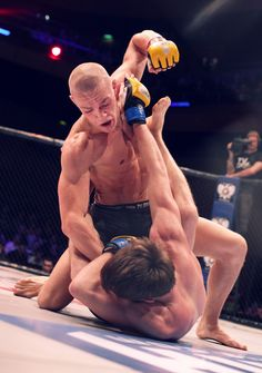 Conor McGregor dominates against Dave Hill. Dublin, Ireland