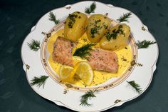 Salmon in Dill Cream with Potatoes. Photo Credit: Norbert Krüger.