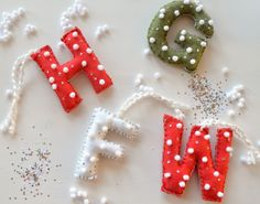 Anthropologie Inspired Felt Monogram Ornaments — Apricot Polkadot Letter Ornaments, Felt Ornaments, Felt Diy, Felt Crafts, Parts Of The Letter, Christmas Sewing Projects, Embroidery Letters, Felt Letters, Letter Stencils
