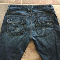 "WILLIAM RAST Belle Flare Size 26 Inseam 31"" Gorgeous!!!  WILLIAM RAST Belle Flare Size 26 Inseam 31"" like new condition  William Rast Jeans"