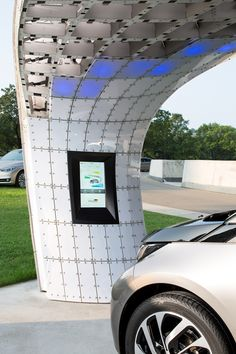 SolarChargingStation Point.One S at BMW Welt