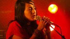 Hindi Zahra-At the same time, via YouTube.