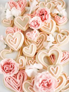 Concept and styling by Rhiannon Bosse with photography by Samantha James Photography day decor cookies day decor diy day decor easy day decor farmhouse day decor house day decor ideas Valentines Day Baskets, Valentines Day Party, Valentines Day Decorations, Roses Valentines Day, Homemade Valentines, Valentine Box, Valentine Wreath, Valentine Ideas, Valentine Crafts