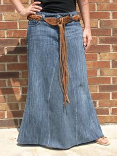 Dawn long denim skirt with frayed seams and hem Made from recycled jeans by Whimsical Jean Skirts Plus Size denim fashion apostolic modest - Fashion Maxx Plus Size Skirts, Plus Size Jeans, Denim Skirt Outfits, Chic Outfits, Maxi Outfits, Denim Skirt Winter, Jeans Rock, Recycled Denim, Women's Dresses