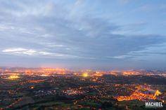 Gijón de noche Recorrido fotográfico por Gijón capital de la costa verde. Asturias España Un día en mi ciudad, Gijón