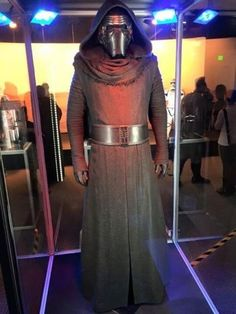 Star Wars Kylo Ren Costume Star Wars merchandise http://funstarwars.com/shop/uncategorized/star-wars-kylo-ren-costume/ 168.25 Condition: Brand New Fabric:Linen Color:Black Gender:Unisex