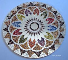amaaaaaazing Mosaic mandala but I will make my own Mirror Mosaic, Mosaic Art, Mosaic Glass, Mosaic Tiles, Stained Glass, Glass Art, Mosaics, Mosaic Crafts, Mosaic Projects