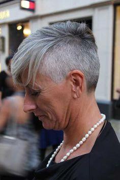 Résultats de recherche d'images pour « grey pixie cut »